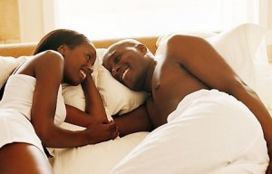 black-couple-taking-bed-450pk061110